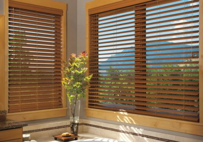 wooden-window-blinds-for-large-glass-window